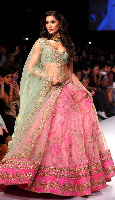Nargis fakhri, lakme fashion week winter 2014